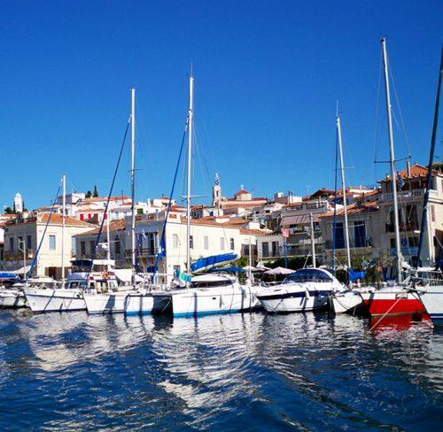 Grčka luka jedrenjaci