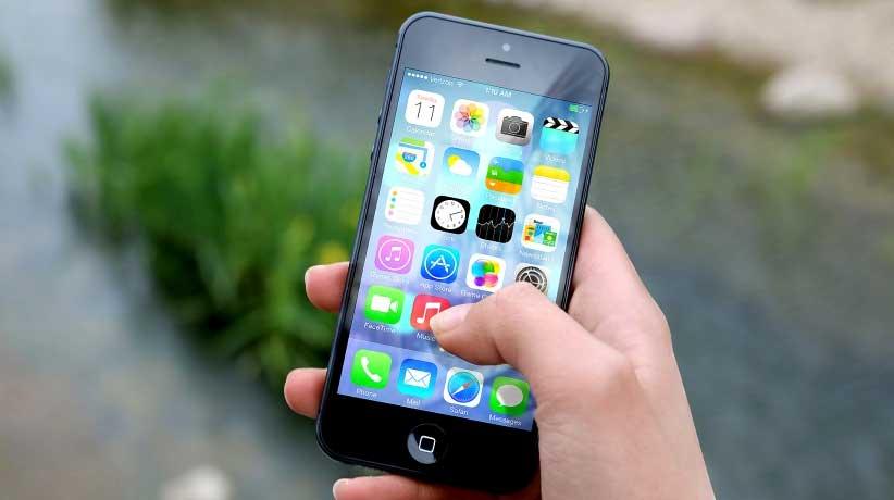 Novogodisnje-rezolucije-smartfon